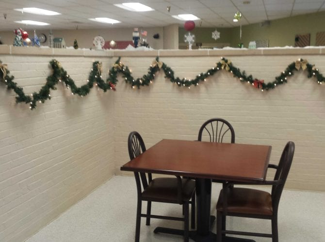 Small dining room where families can joing their loved ones